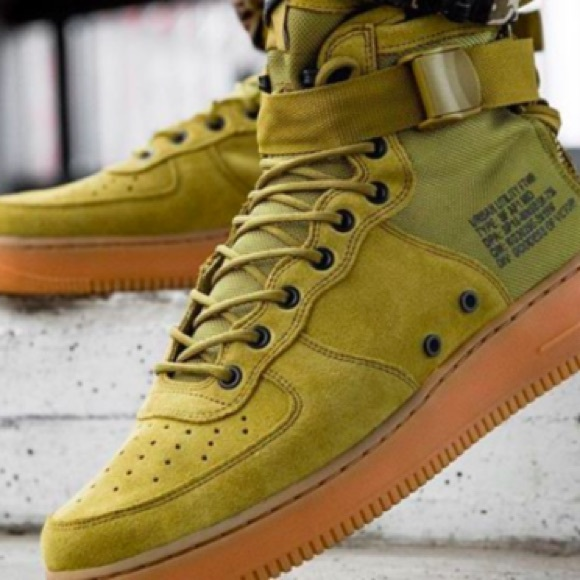 85f71197533 Nike SF Air Force 1 Mid Military Green NEW IN BOX